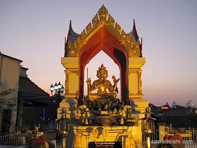 Thai Shrines: Brahma Shrine Phitsanulok