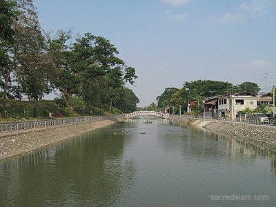 Phrae town moat